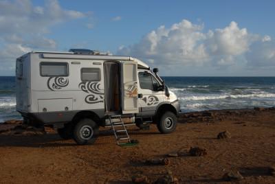 vendu camping car 4x4 tout terrain 6m15 x 2m15 x 3m. Black Bedroom Furniture Sets. Home Design Ideas