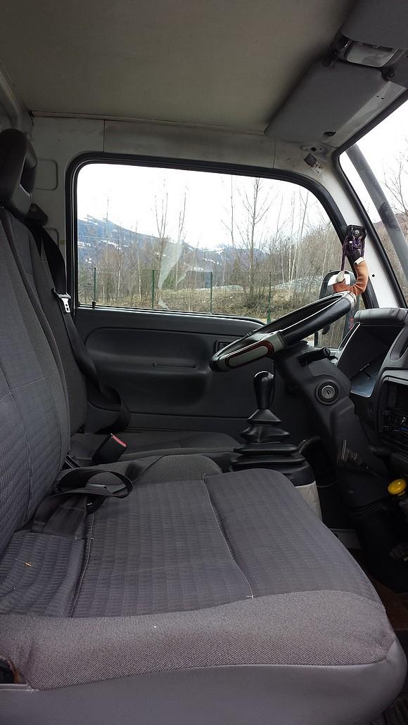 camion_cabine_avant2.jpg